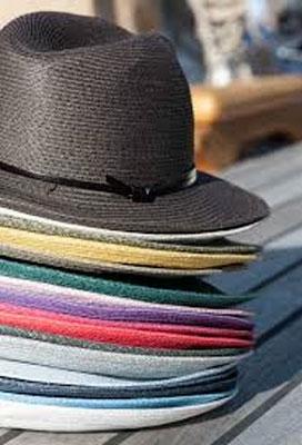 sommerhut in vielen farben